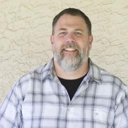 Tyson Tolbert : Pastor